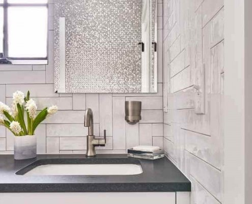 Bathroom Design with Clean Lines